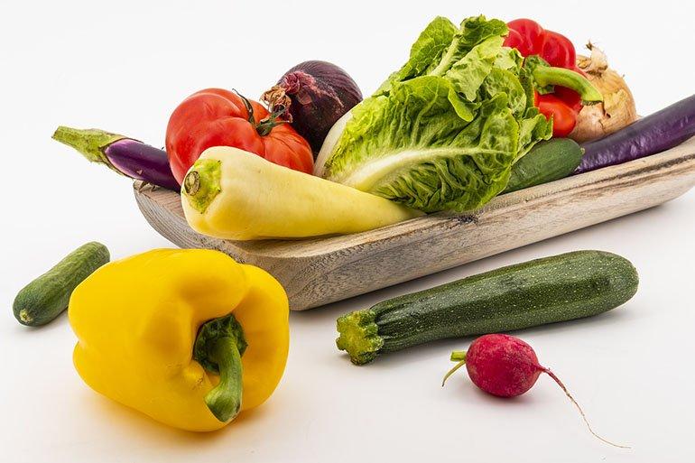 Какими овощами лучше не кормить собаку